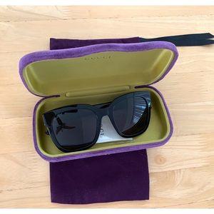 Gucci black square sunglass- Preowned